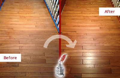 Before and After Picture of a Oro Valley Wood Sand Free Refinishing Service on a Dull Hallway