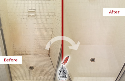 Before and After Picture of a Casas Adobe Bathroom Grout Sealed to Remove Mold